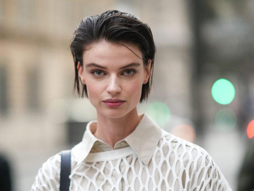 Jak w prosty sposób przyciemnić włosy? Poznaj domowe metody