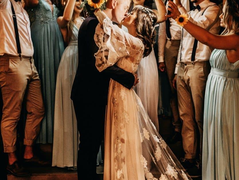 7 polskich marek, które oferują najpiękniejsze sukienki dla druhen